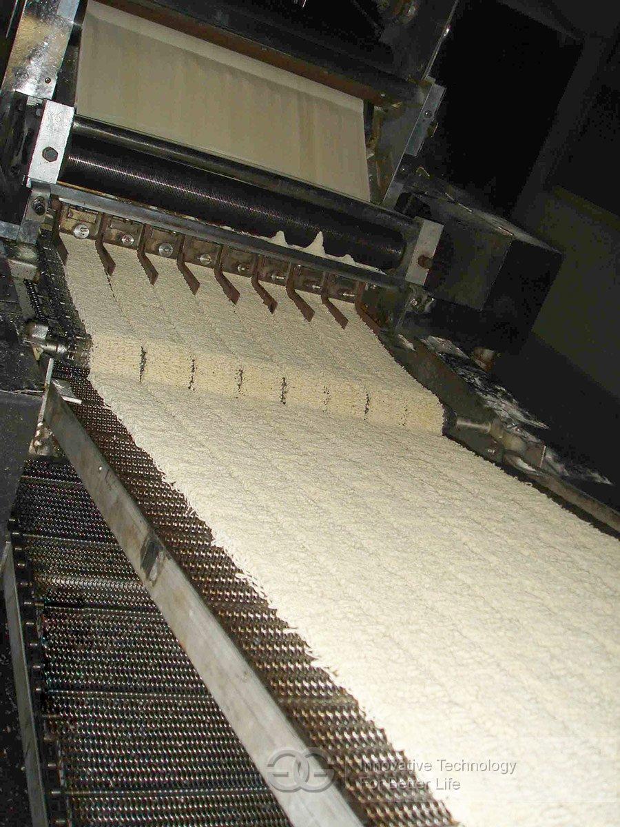 Noodle Slitting & Waving Machine