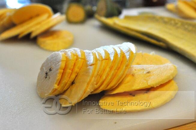 cutting plantain chips