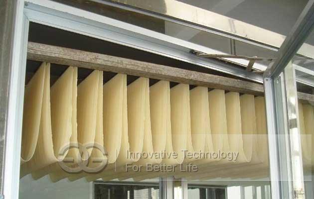 dry noodles line